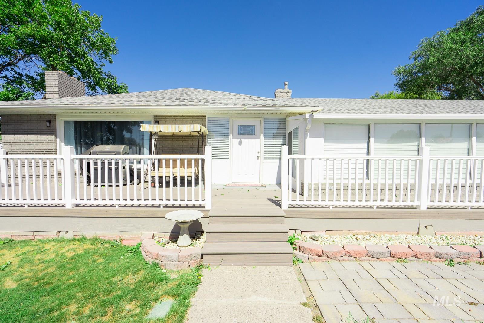 226 W Ellis Property Photo