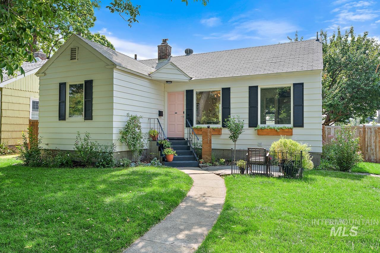 2521 W Jefferson St. Property Photo