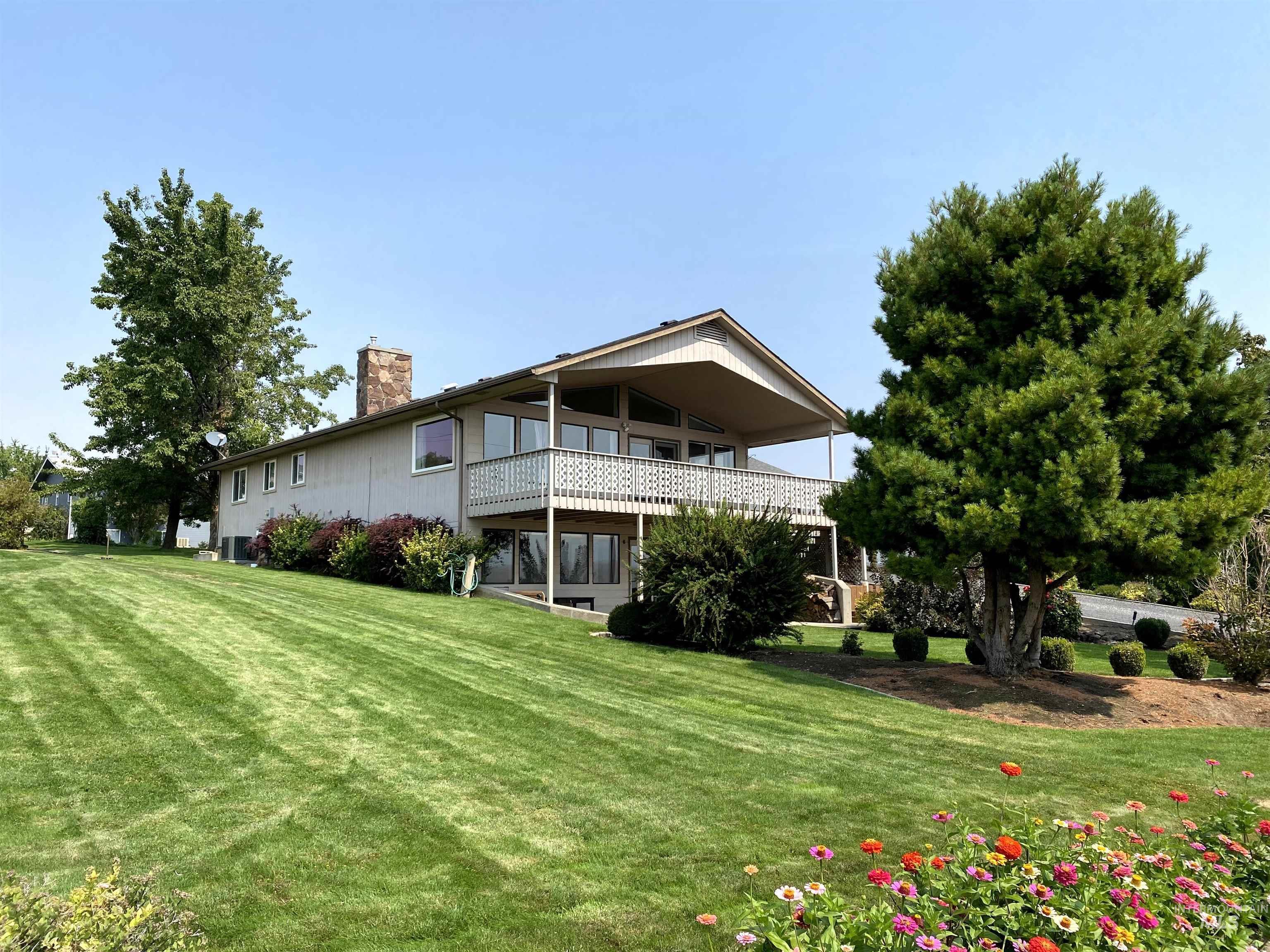 1405 Richardson Ave Property Photo