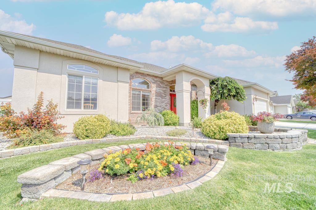 645 Whispering Pine Drive Property Photo 2