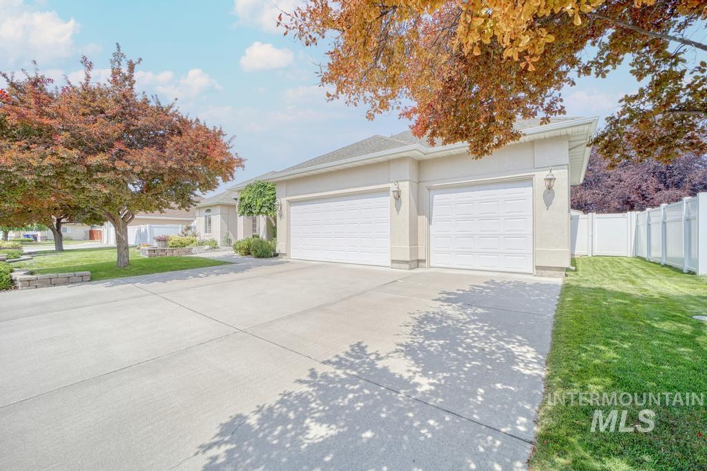 645 Whispering Pine Drive Property Photo 7