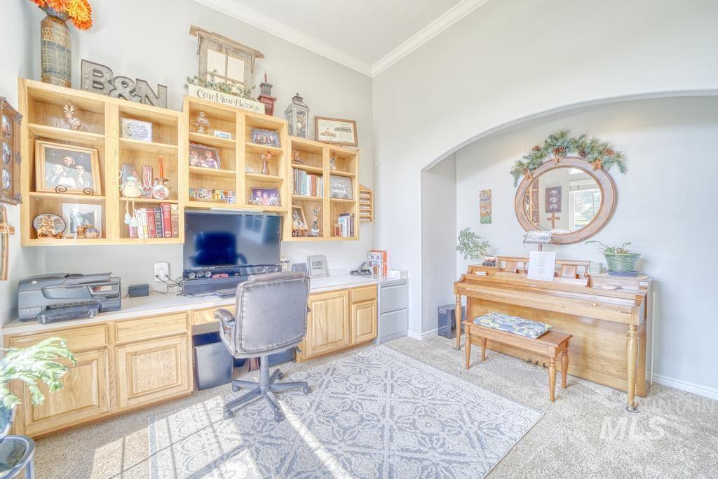 645 Whispering Pine Drive Property Photo 18