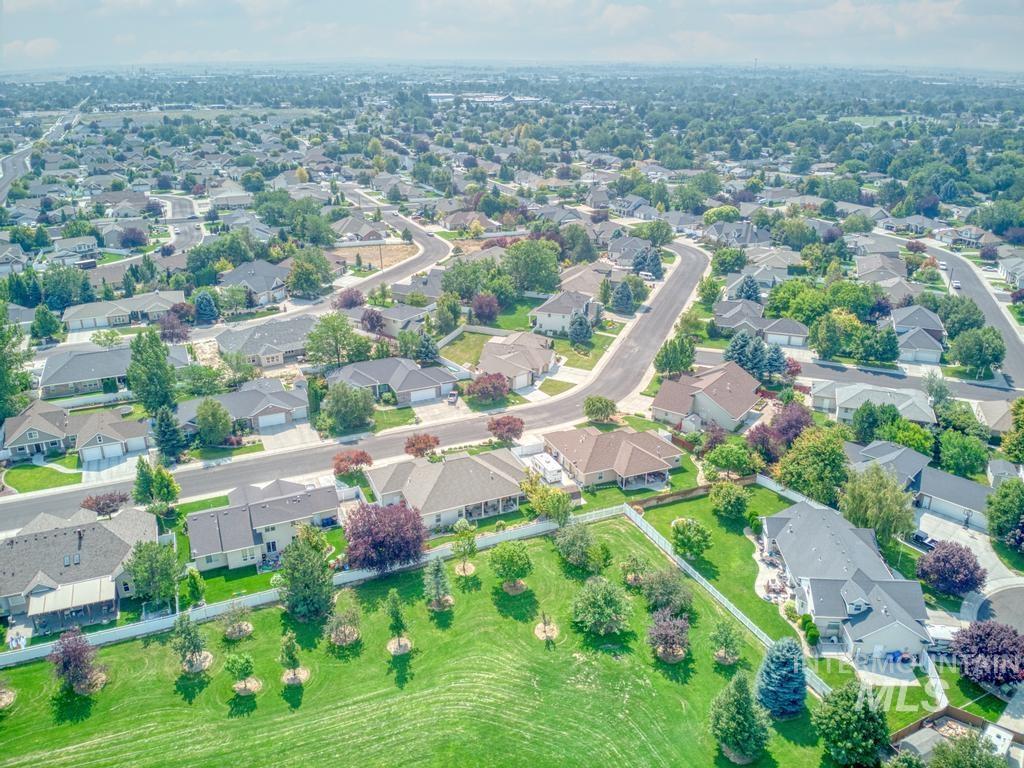 645 Whispering Pine Drive Property Photo 41