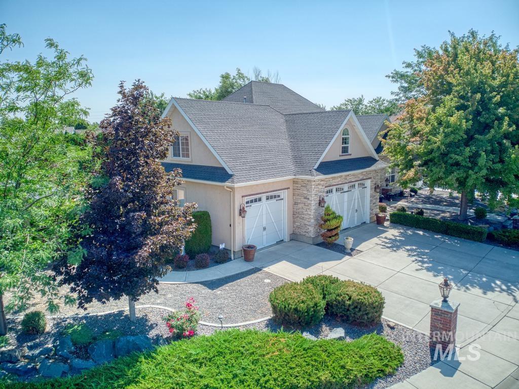 568 Boxwood Drive Property Photo 1