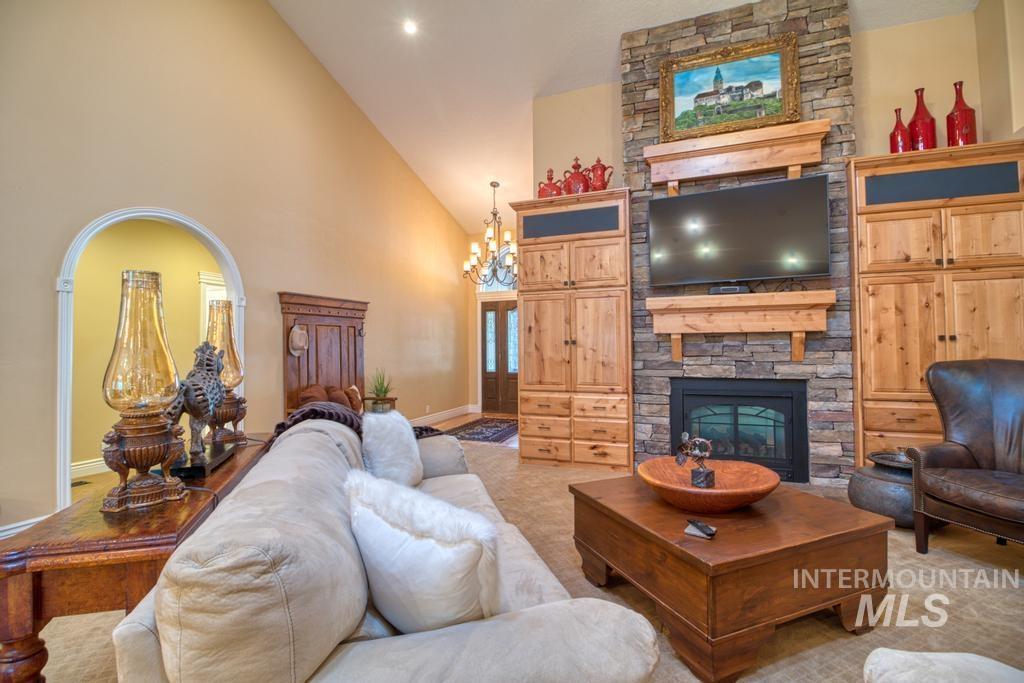 568 Boxwood Drive Property Photo 8