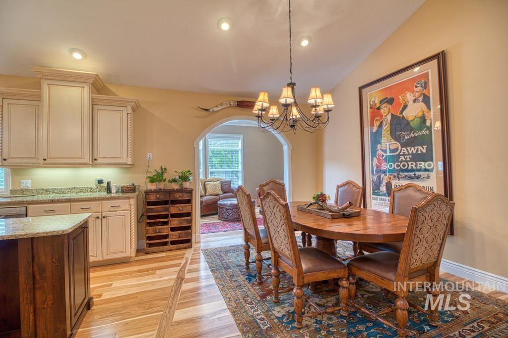 568 Boxwood Drive Property Photo 11