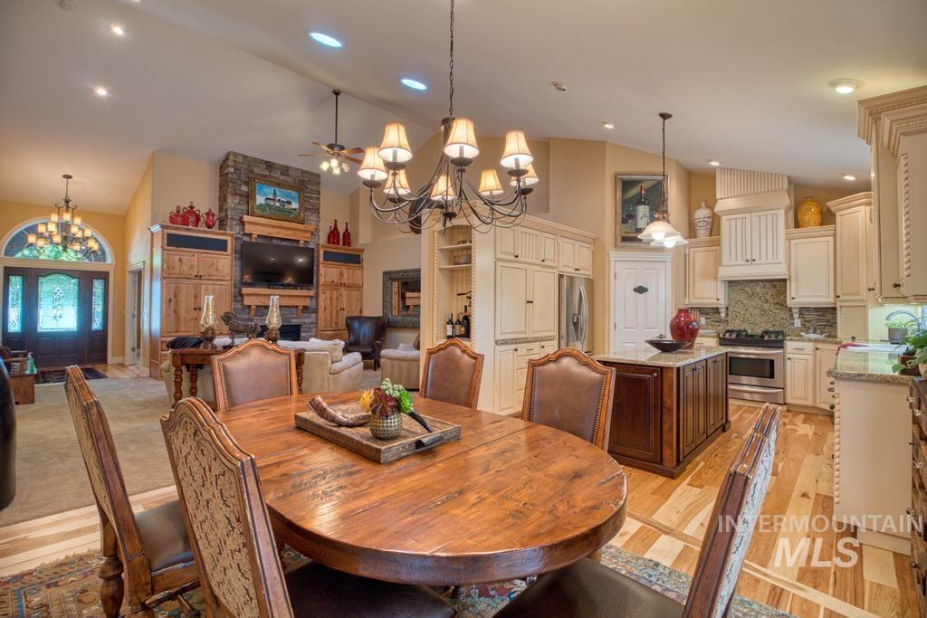 568 Boxwood Drive Property Photo 12