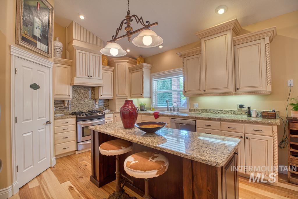568 Boxwood Drive Property Photo 13