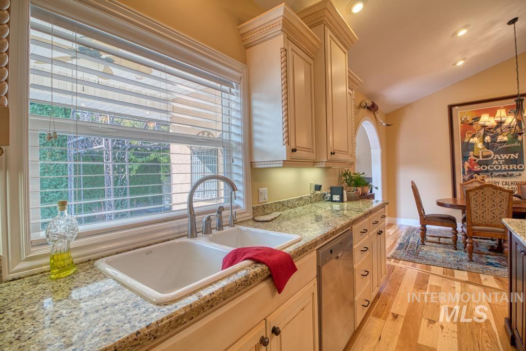 568 Boxwood Drive Property Photo 14