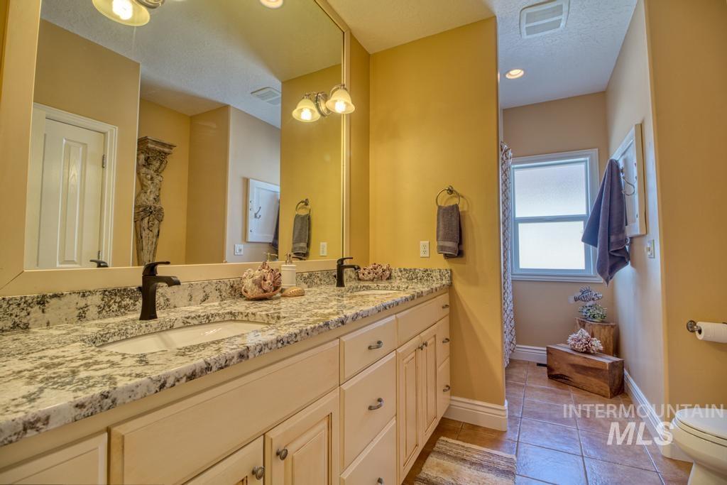 568 Boxwood Drive Property Photo 23
