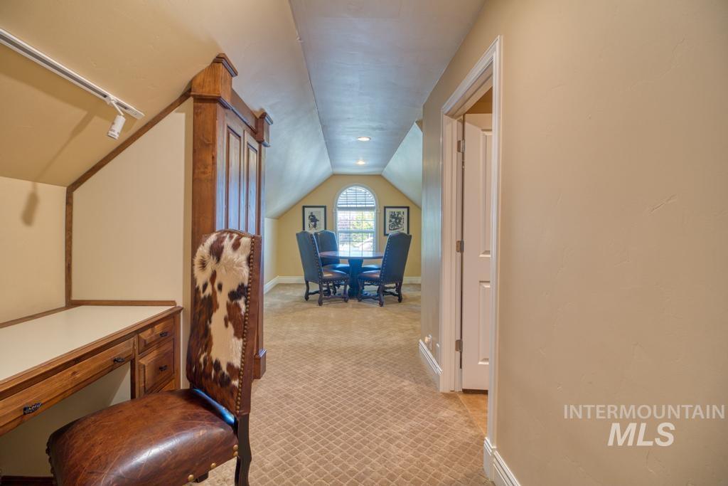 568 Boxwood Drive Property Photo 30