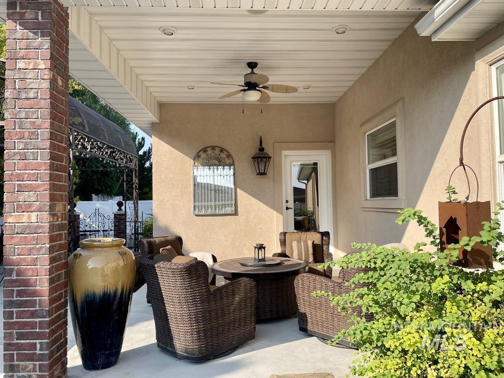 568 Boxwood Drive Property Photo 33