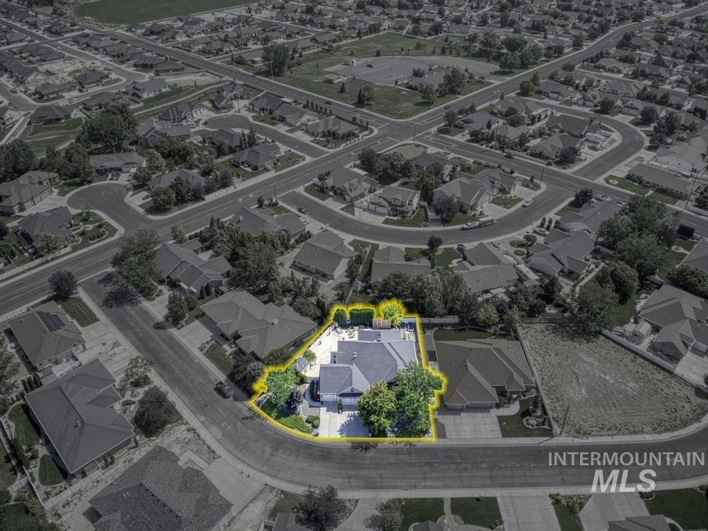 568 Boxwood Drive Property Photo 37