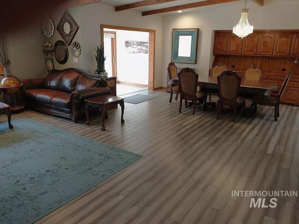 2070 Candlewood Ave Property Photo 4