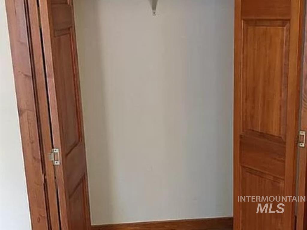 2070 Candlewood Ave Property Photo 13