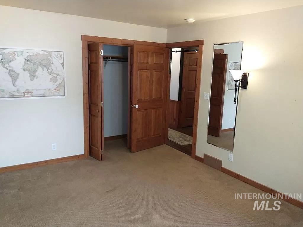 2070 Candlewood Ave Property Photo 19