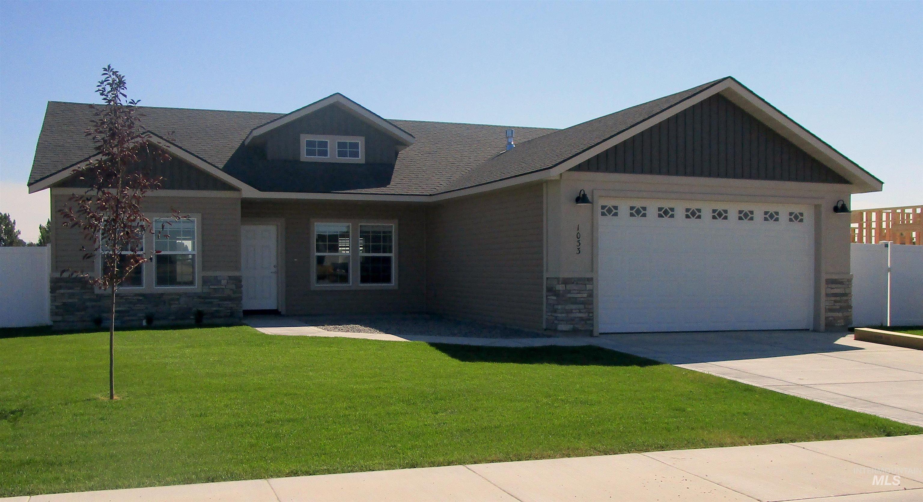 1033 Magnolia Street Property Photo