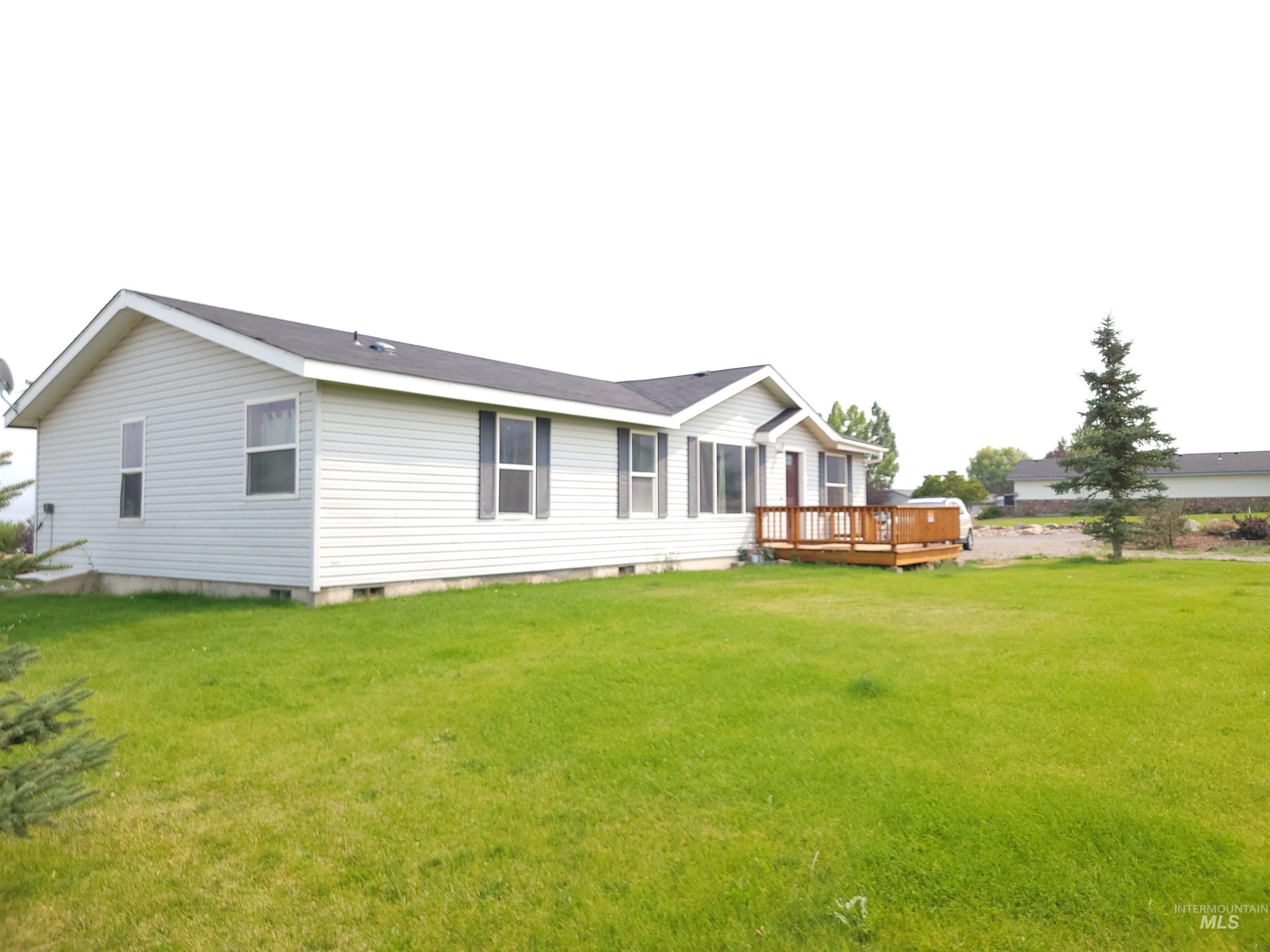 310 Leesburg Lane Property Photo 1
