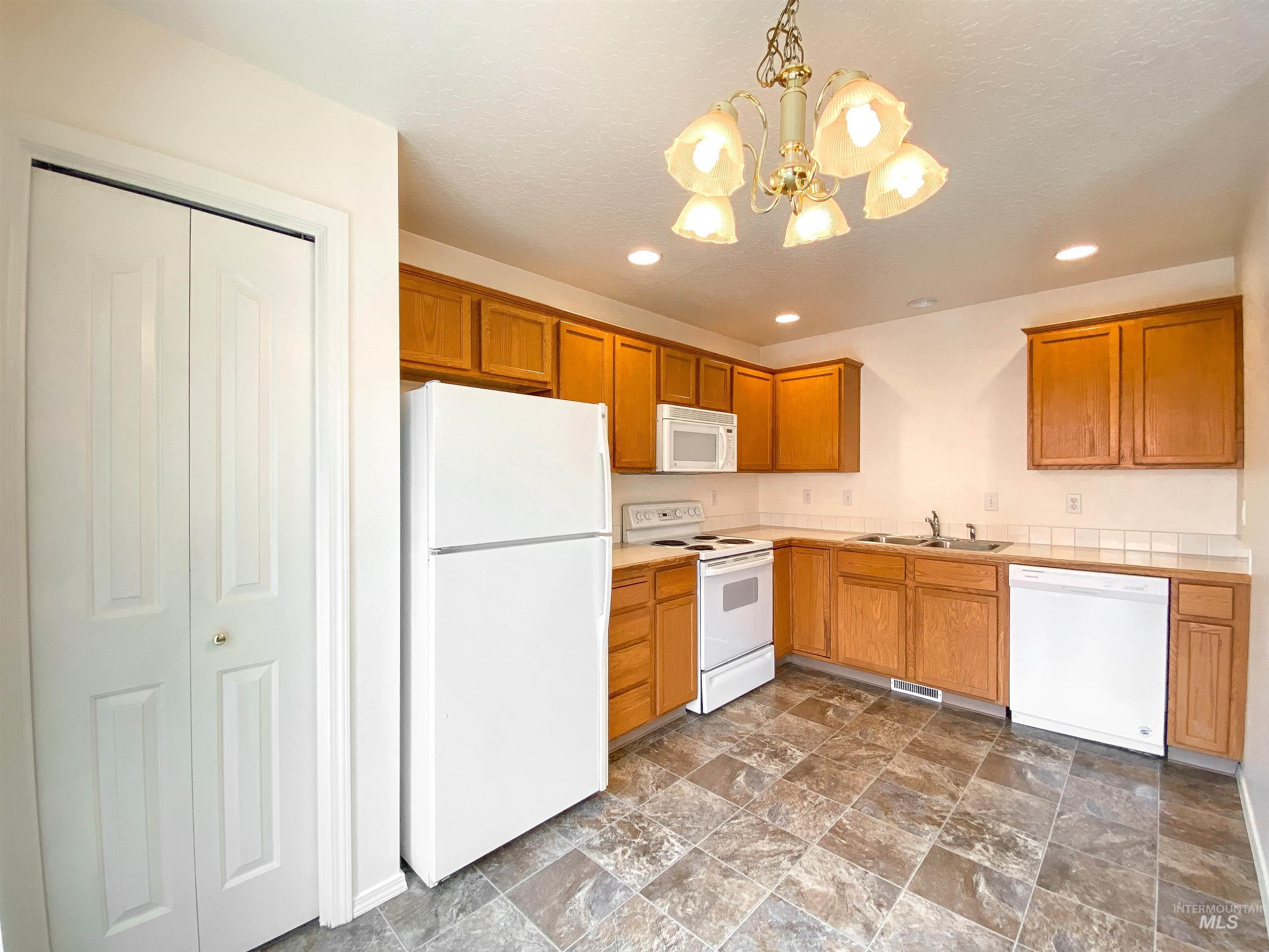 1700 S Piney Creek Rd Property Photo 23