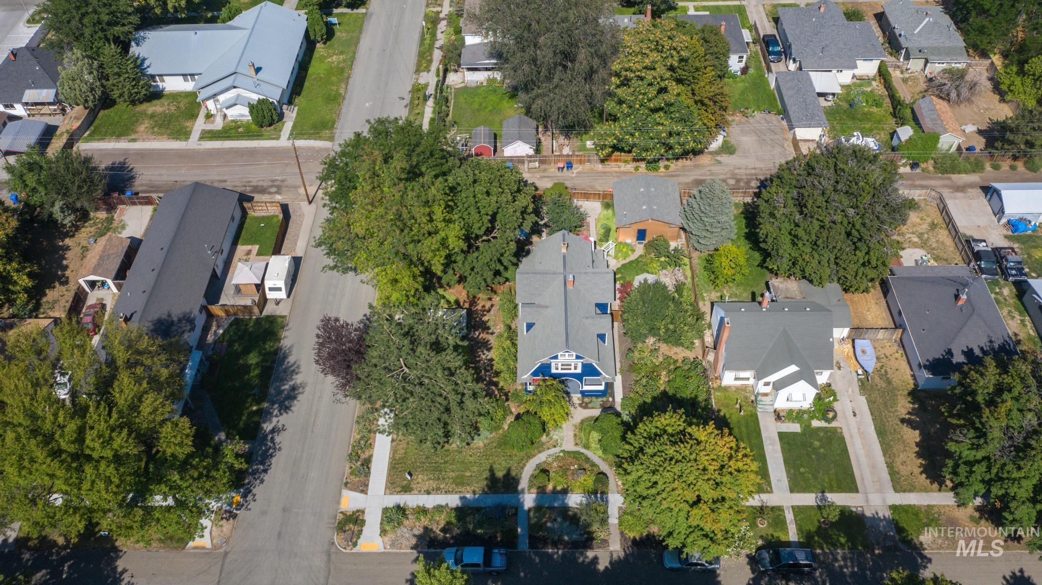 207 8th Ave E Property Photo 34