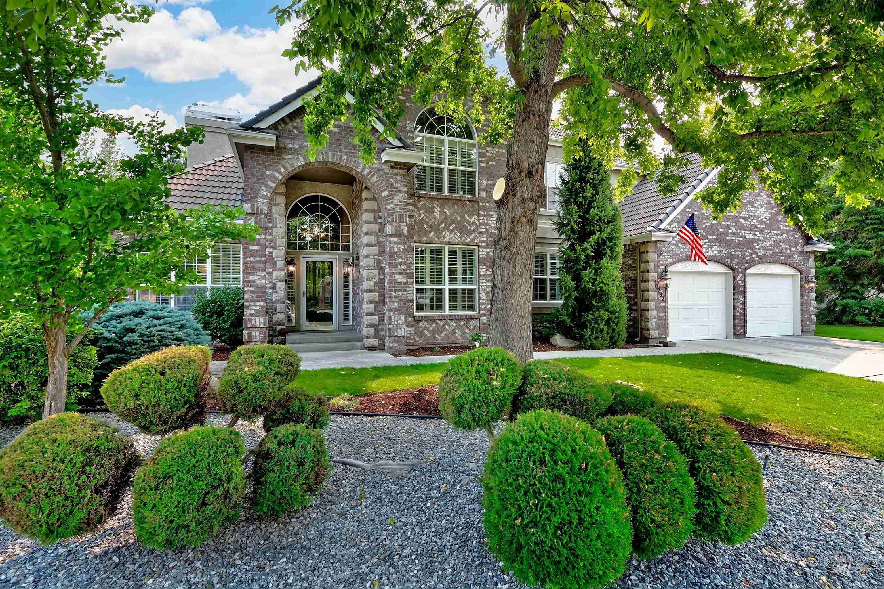 10232 W Cranberry Property Photo