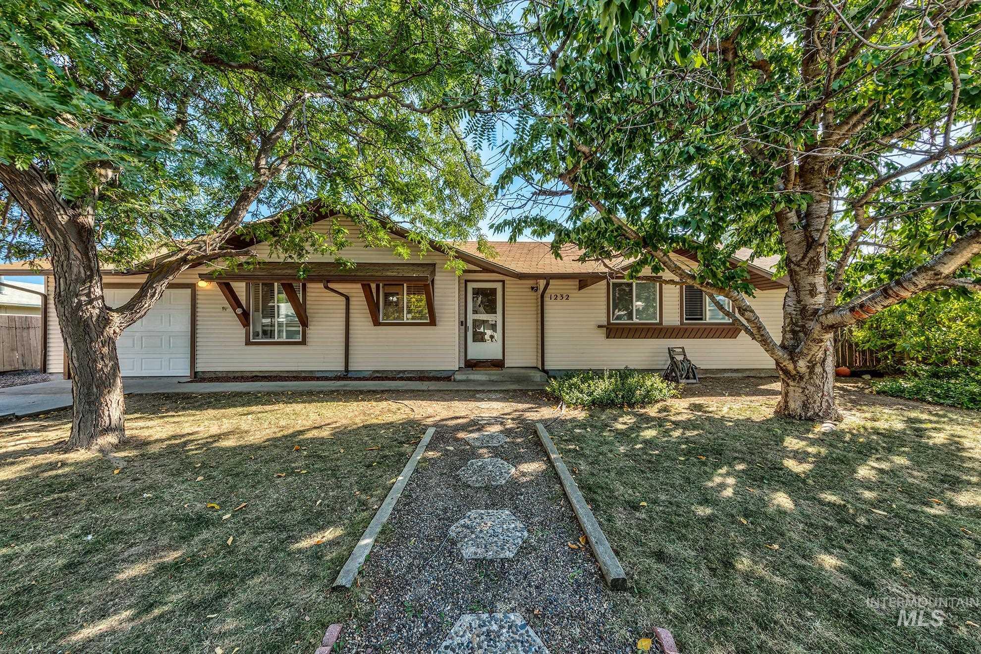 98914 Real Estate Listings Main Image
