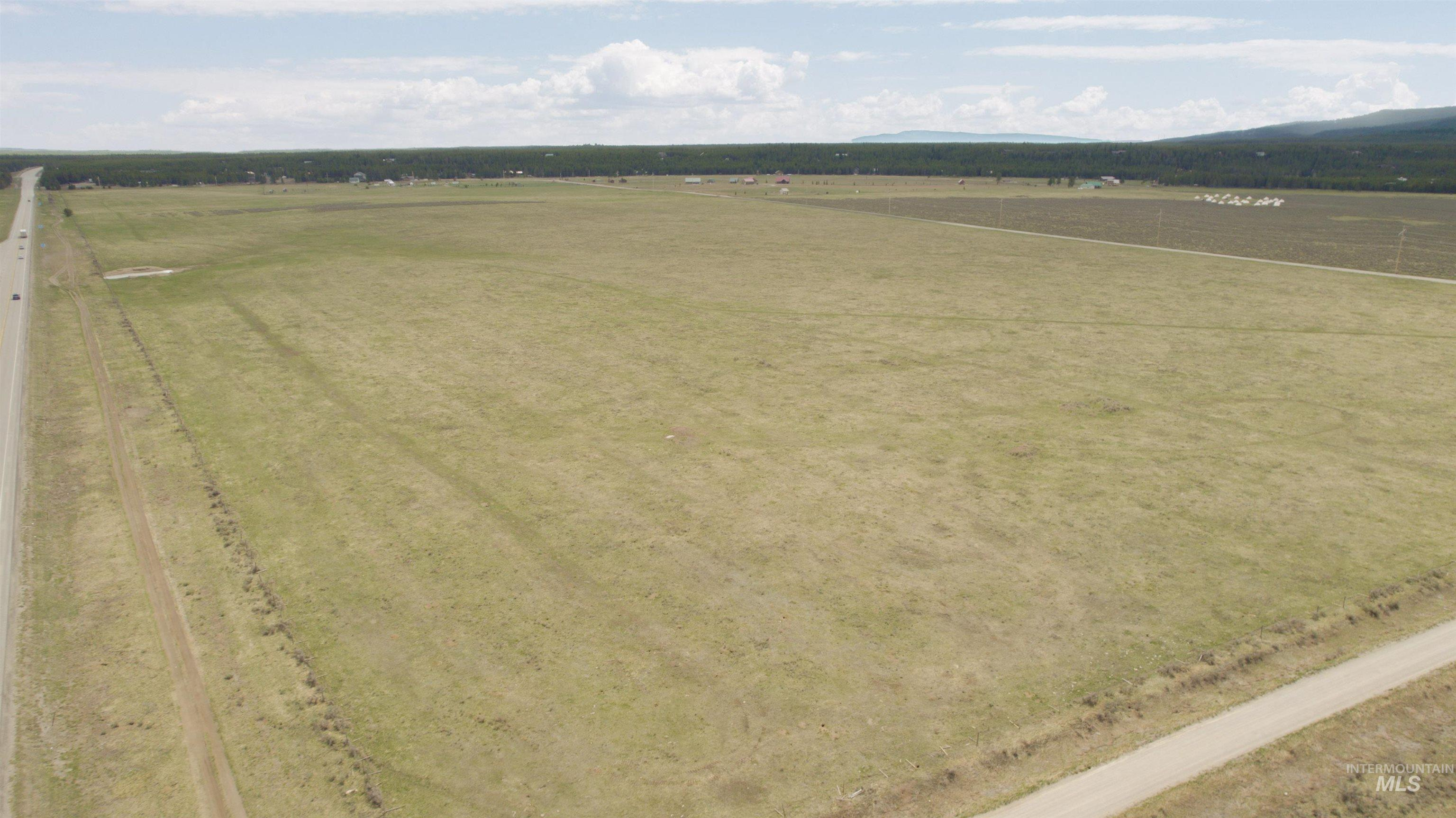 431 Acre Hwy Property Photo 4