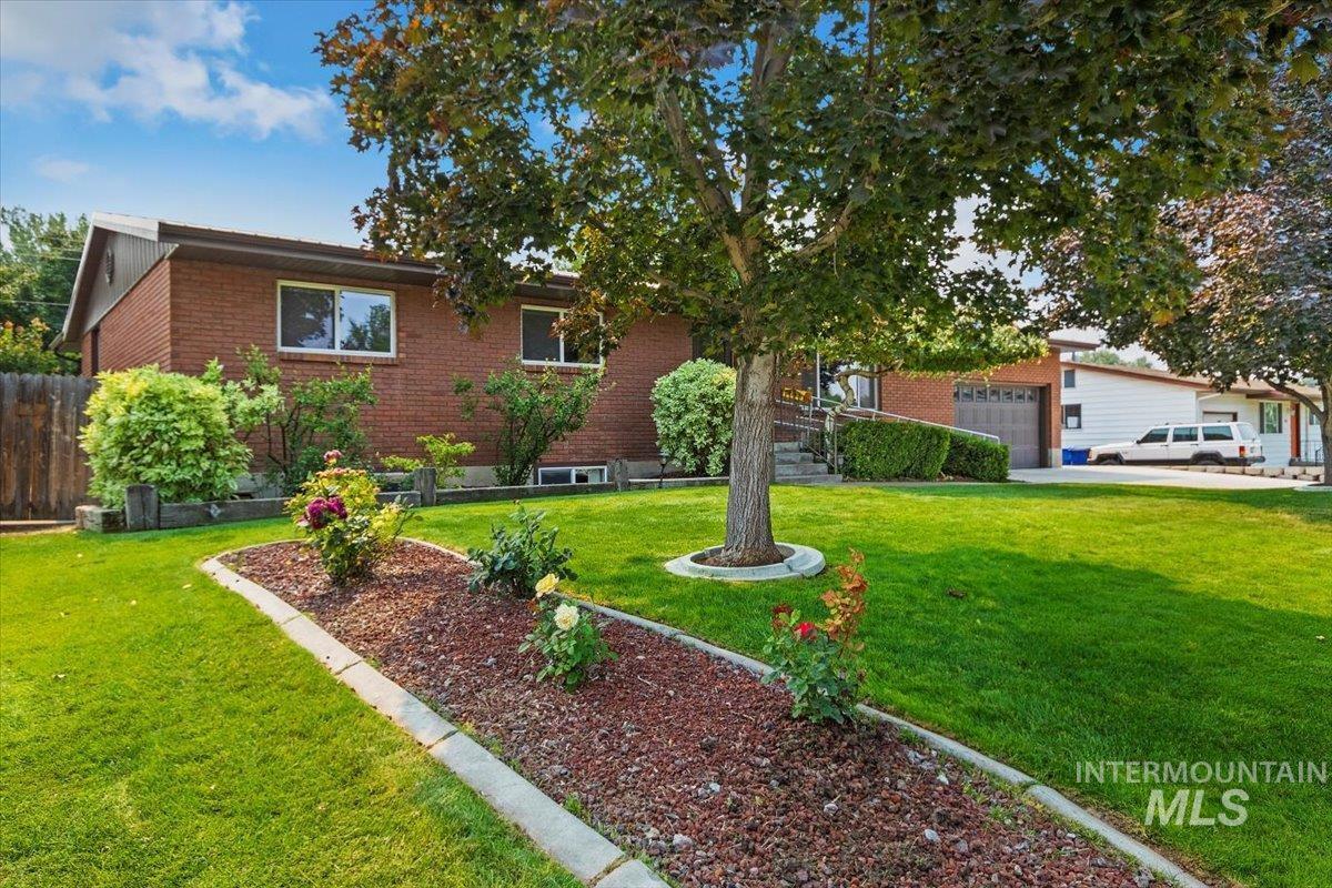 603 12th Avenue E Property Photo