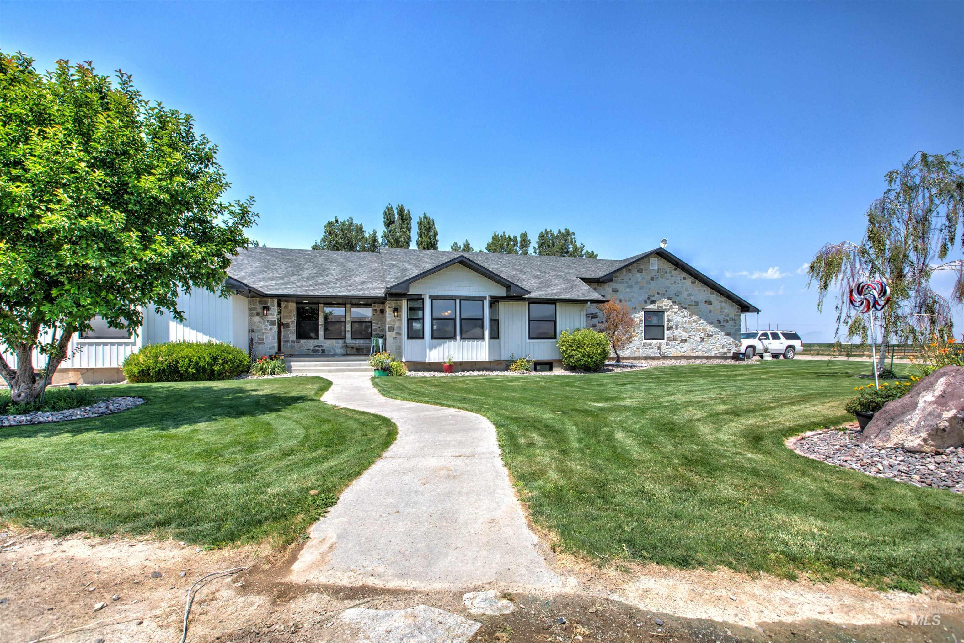 250 W 1545 S Property Photo 1