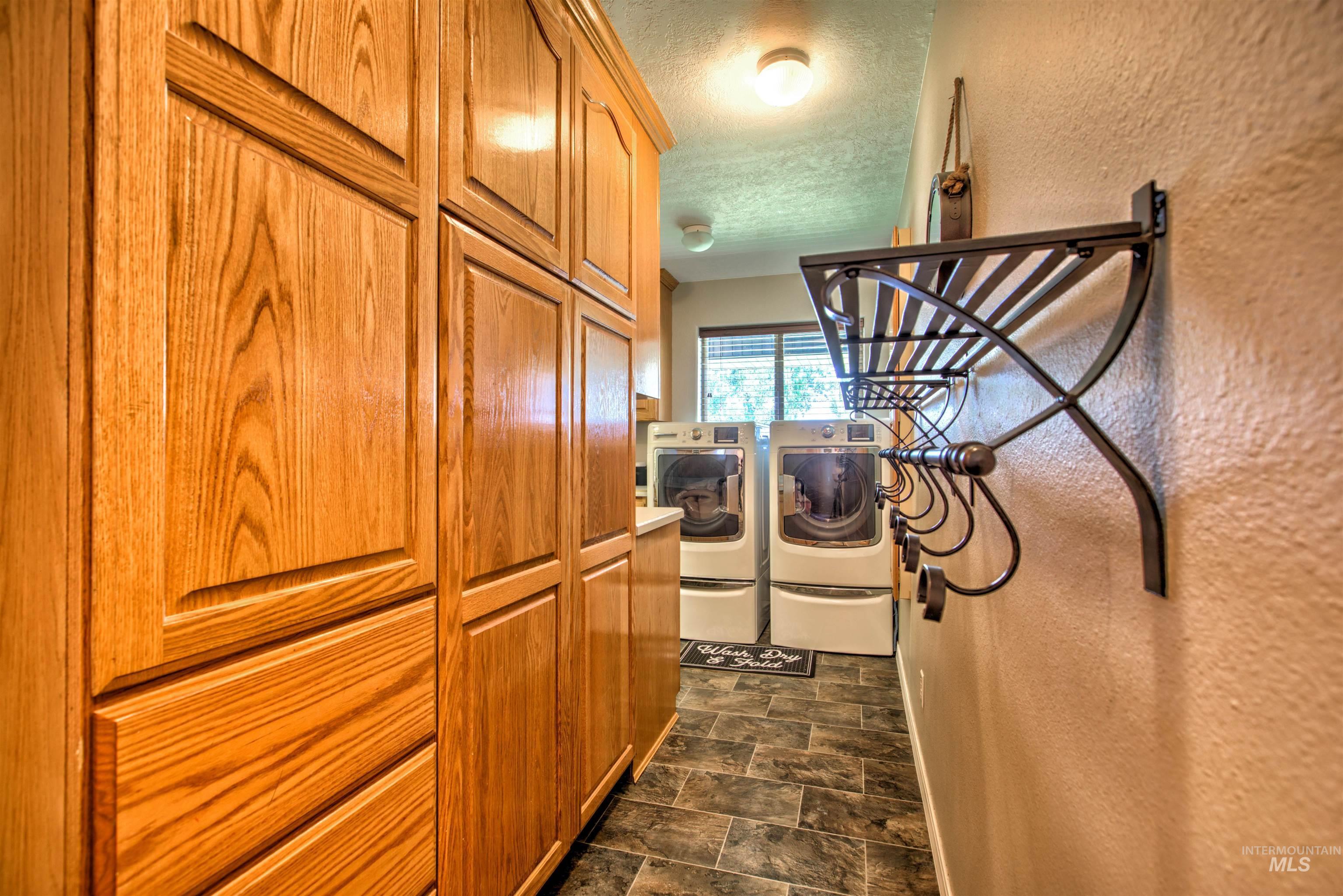250 W 1545 S Property Photo 27