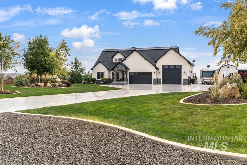 10445 W Colton Ln Property Photo 4