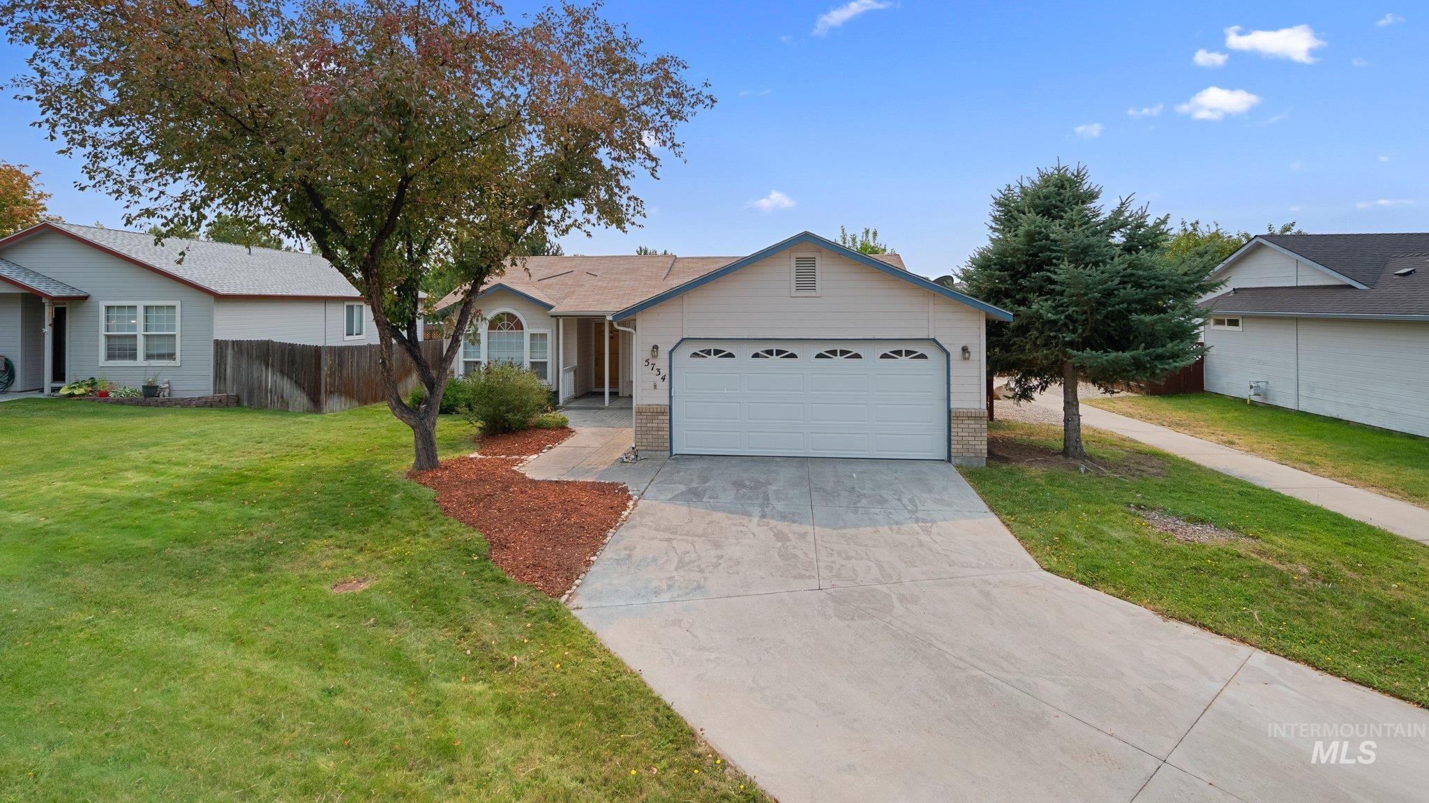 5734 S Flax Pl Property Photo