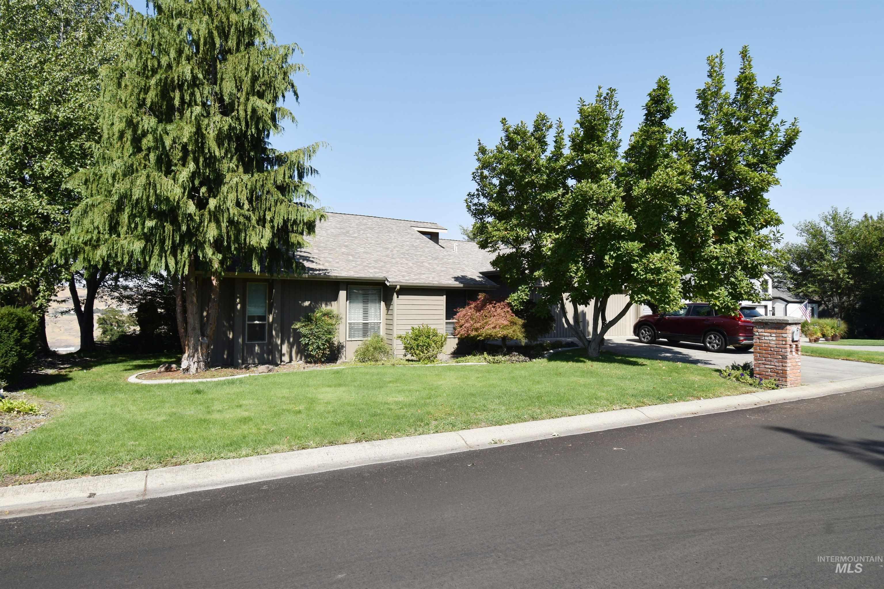 4046 Fairway Drive Property Photo