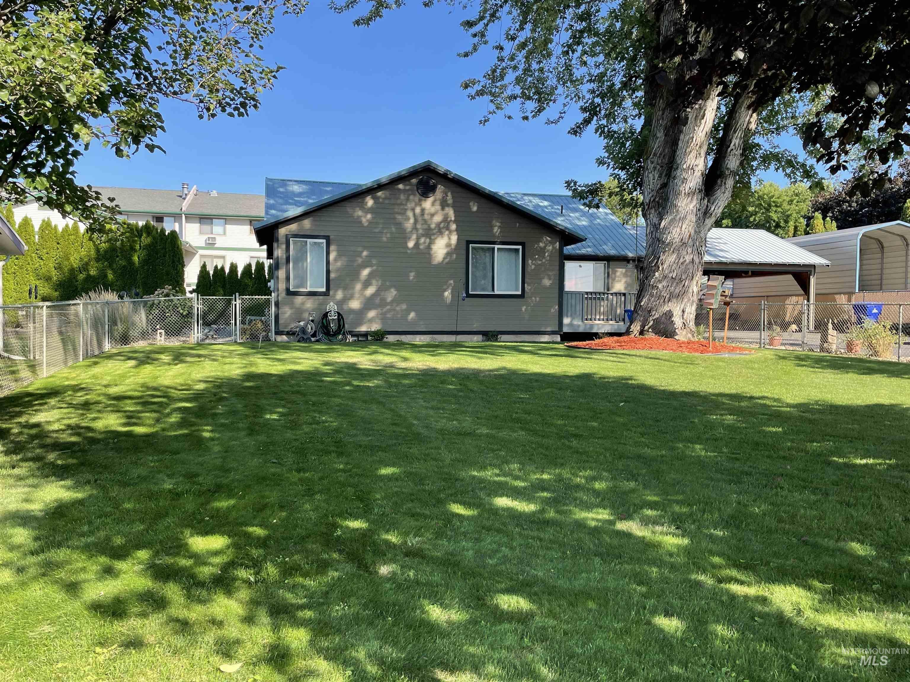 3509 11th St C Property Photo