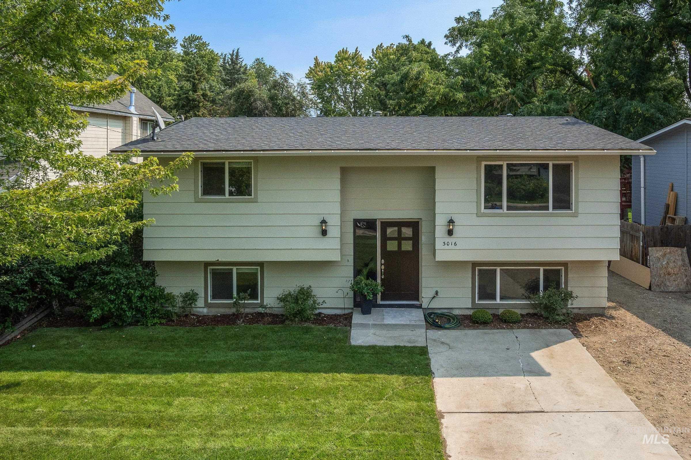 Dumont Real Estate Listings Main Image