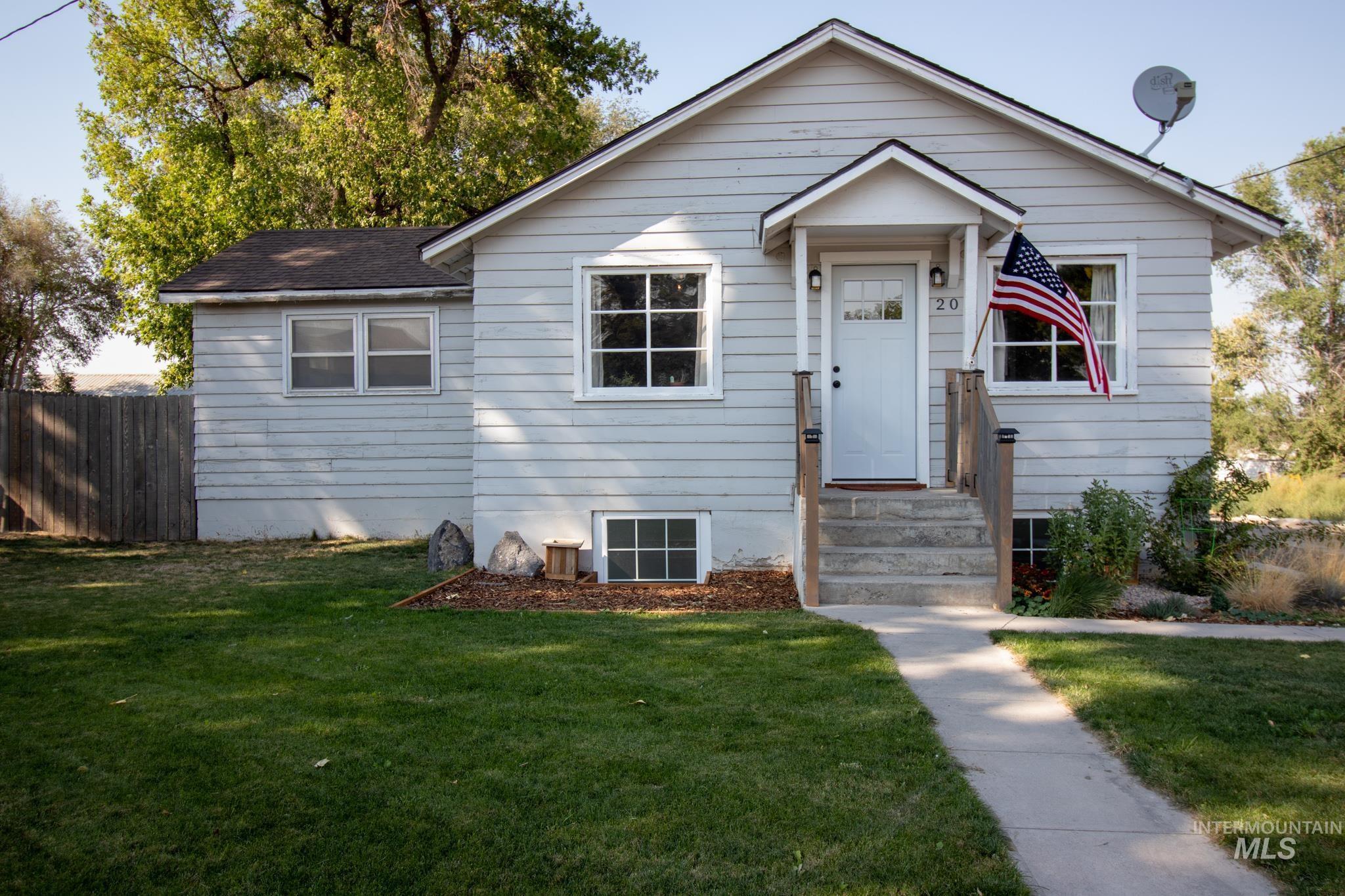 209 Boyd St. E Property Photo