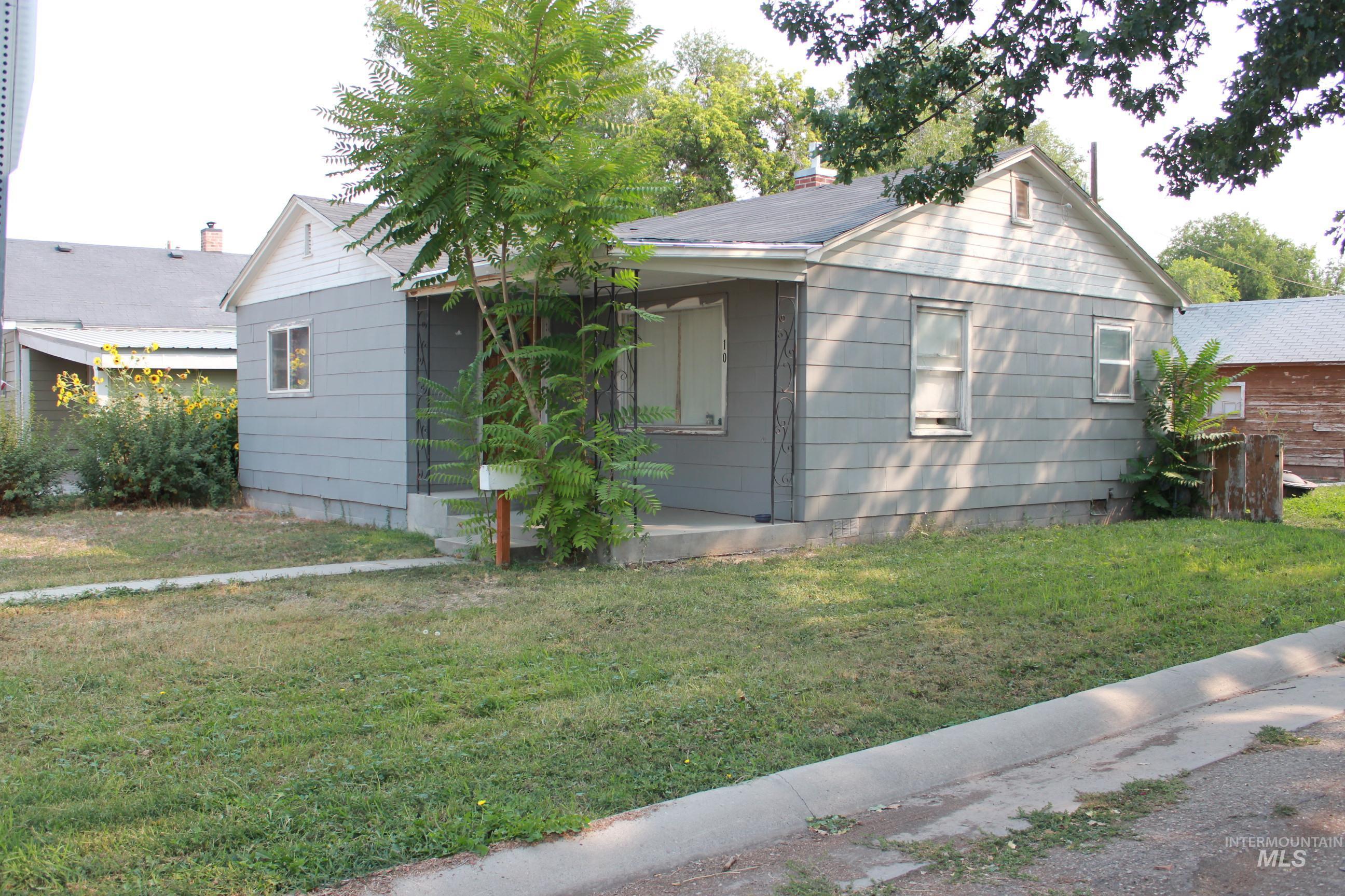 10 S Fairview Property Photo