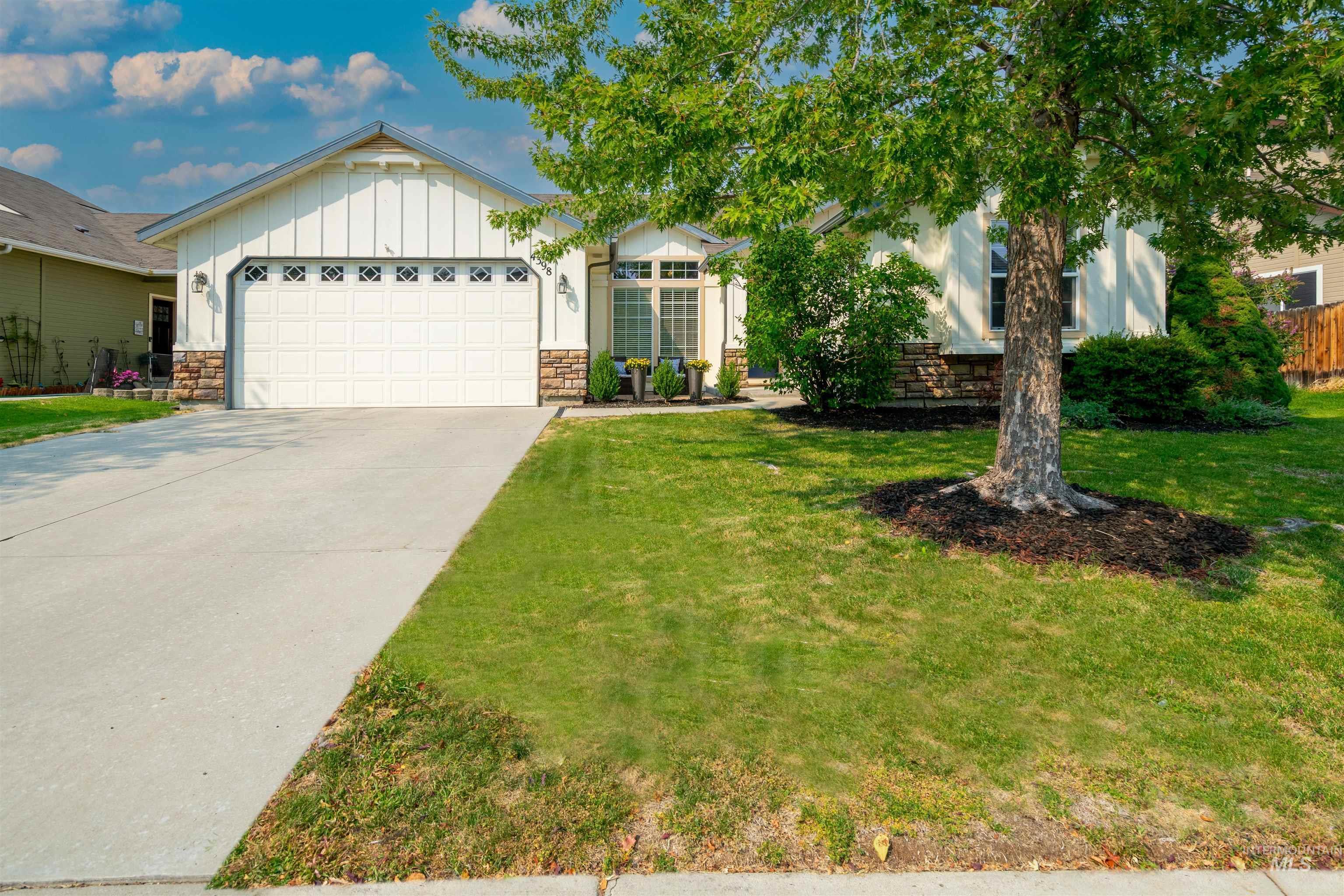 4398 E Arborvitae Drive Property Photo