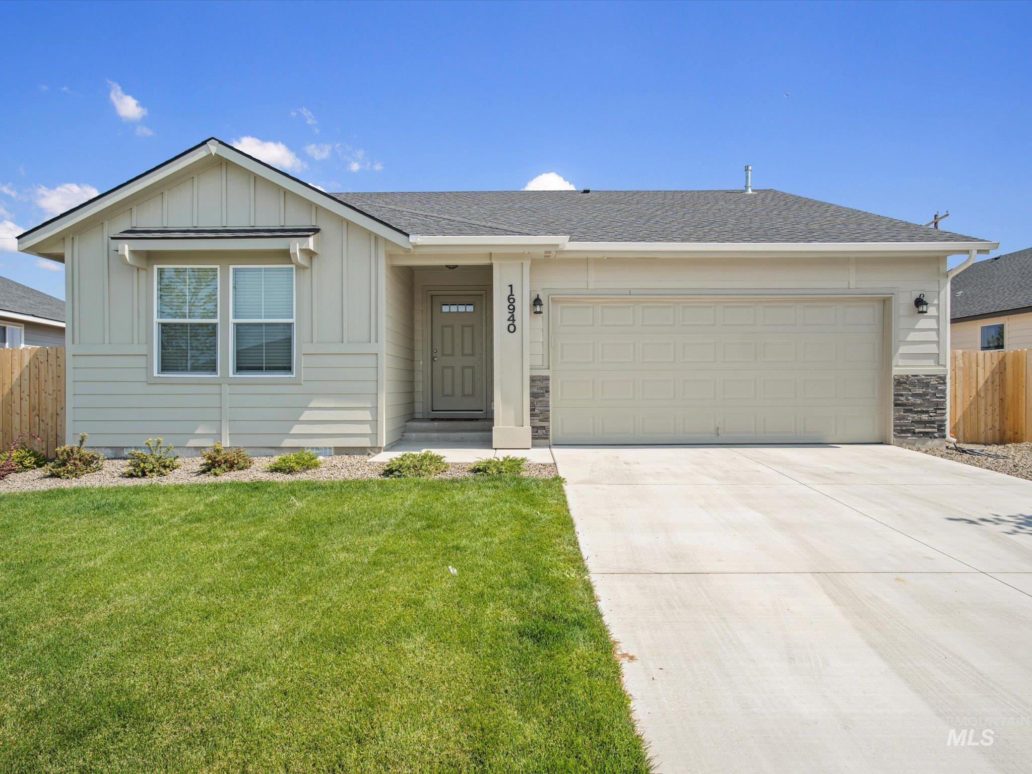 16940 Carmichael Ave Property Photo