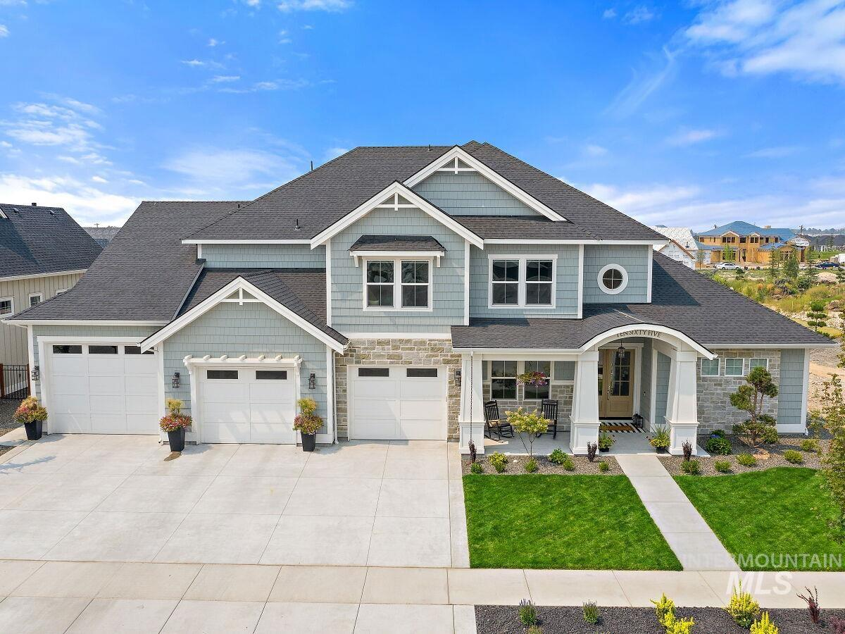 1065 N Honalee Ave Property Photo 1