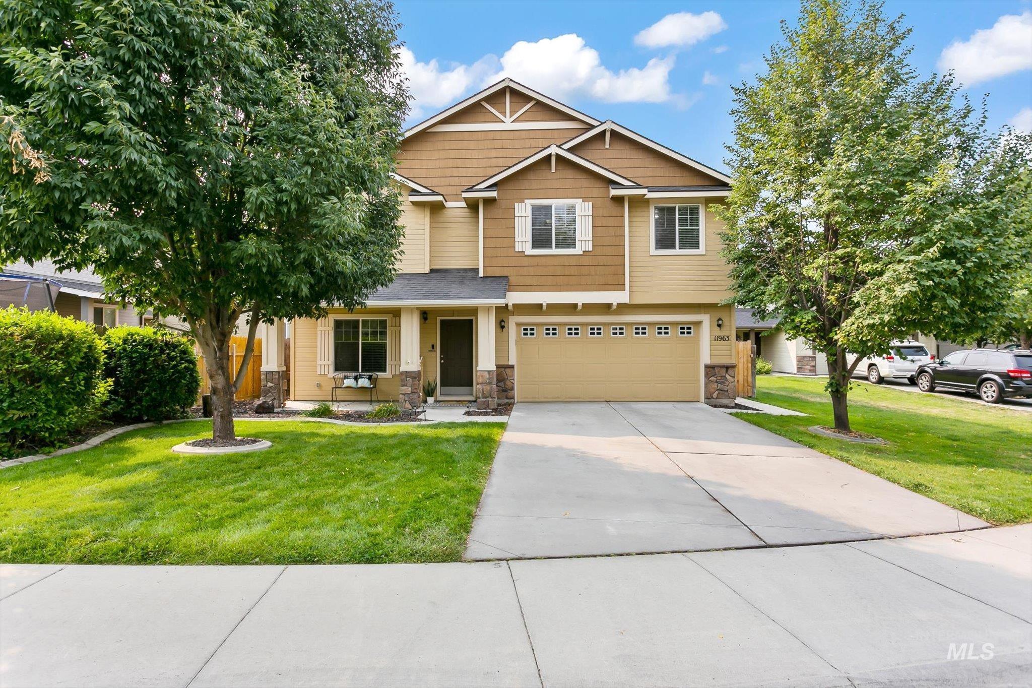 Anaheim Real Estate Listings Main Image