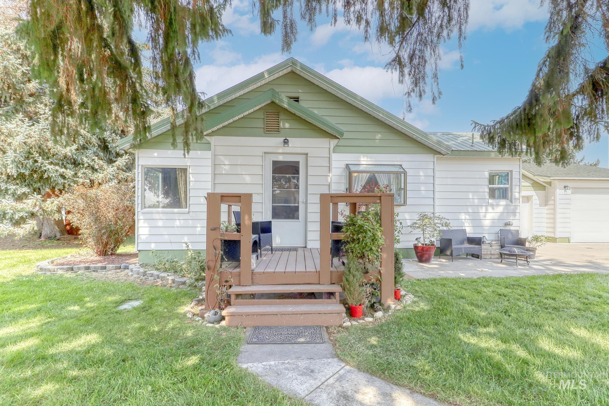 418 E Avenue B Property Photo