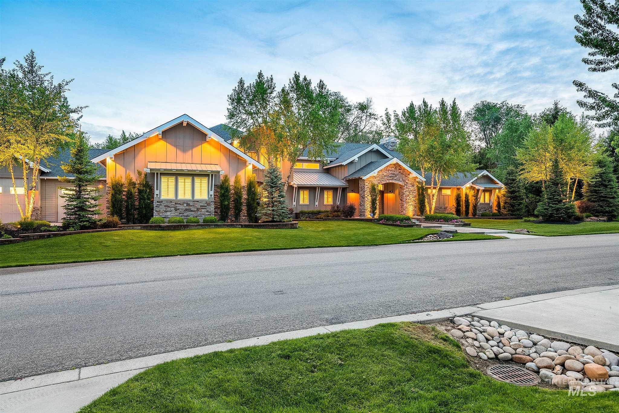2164 W Holly Mountain Drive Property Photo 2