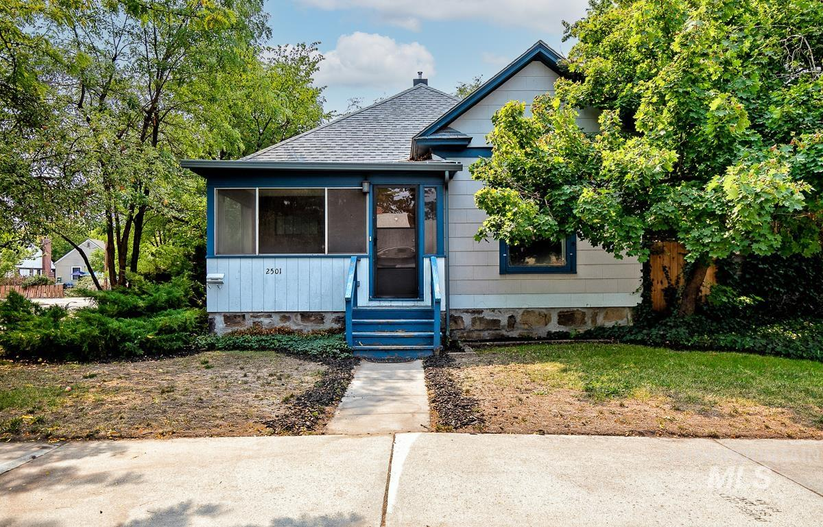 2501 West Pleasanton Ave Property Photo