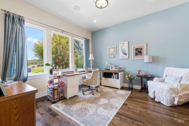 636 E Laguna Shore Ln. Property Photo 34