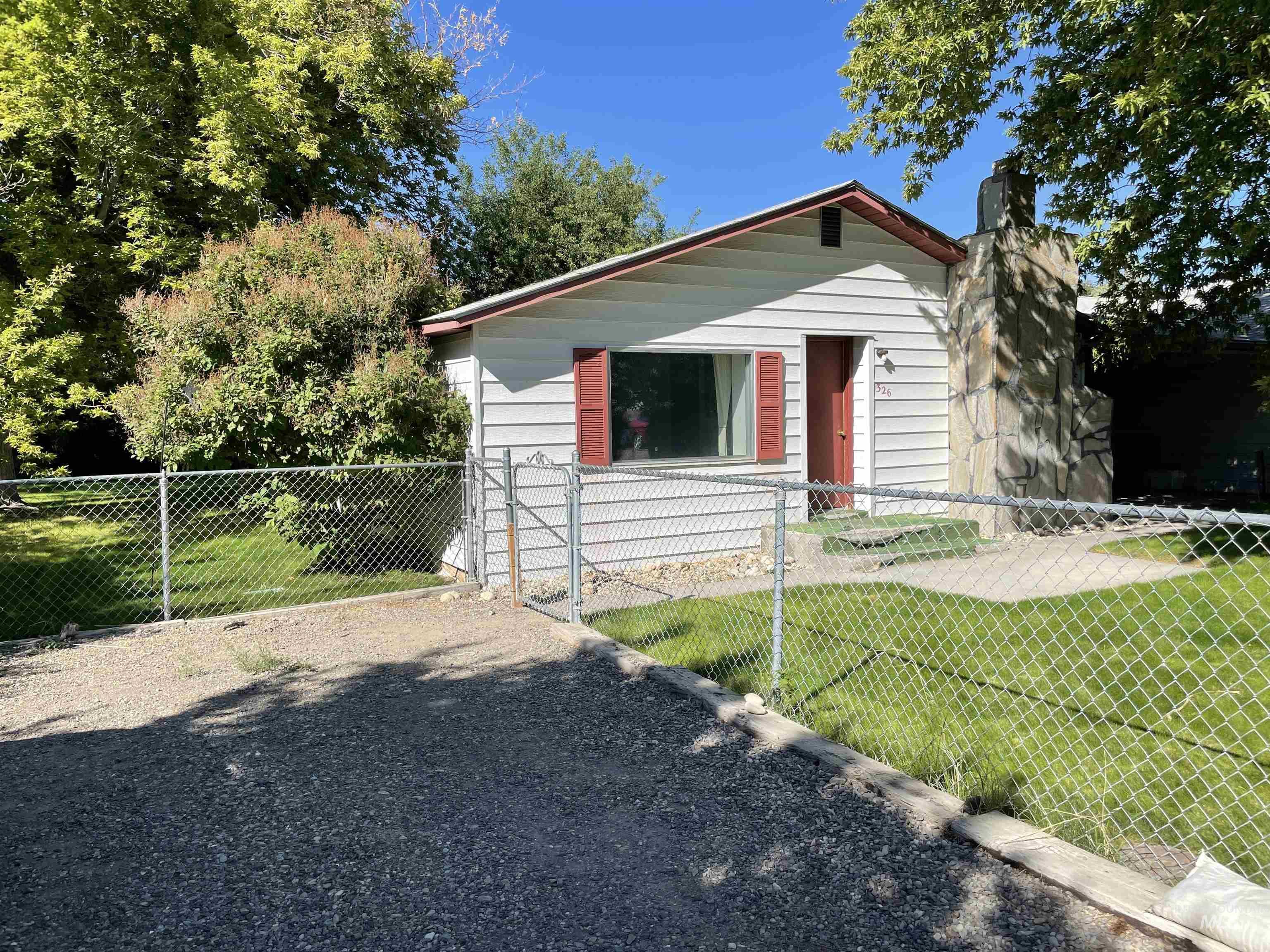 326 Lake Street Property Photo 1