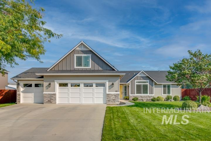 180 W Quaking Aspen Ln Property Photo