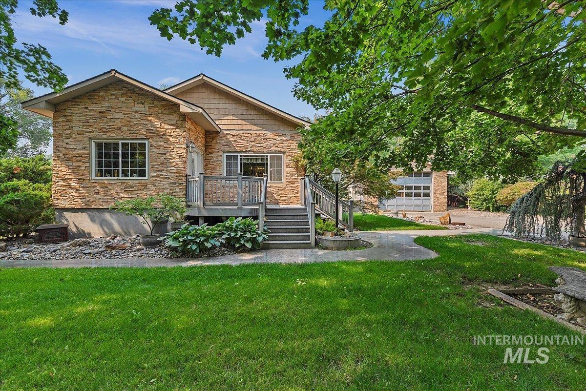 3505 N Tamarack Drive Property Photo 1