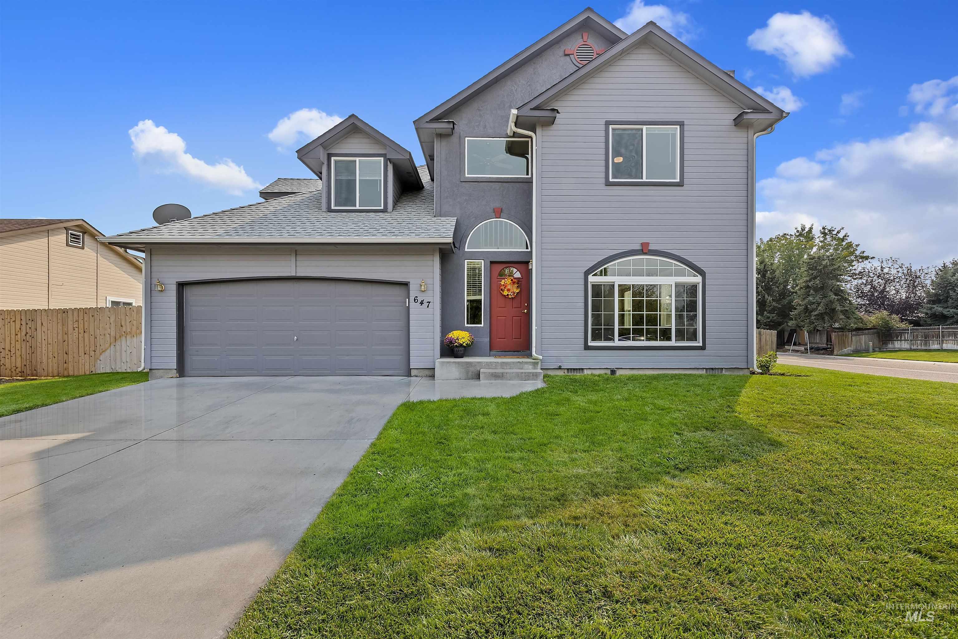 647 W Blaine Ave Property Photo 1