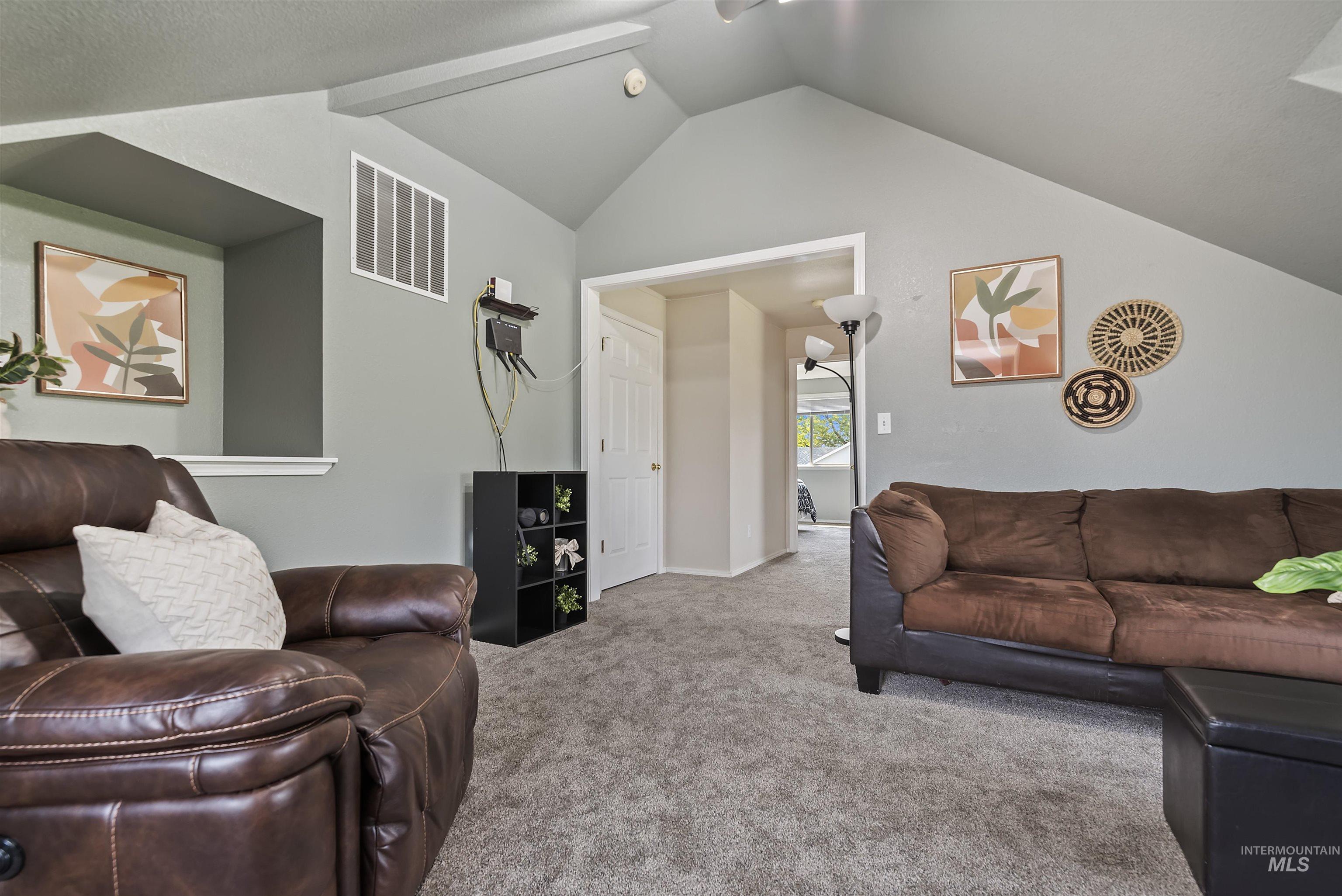 647 W Blaine Ave Property Photo 21